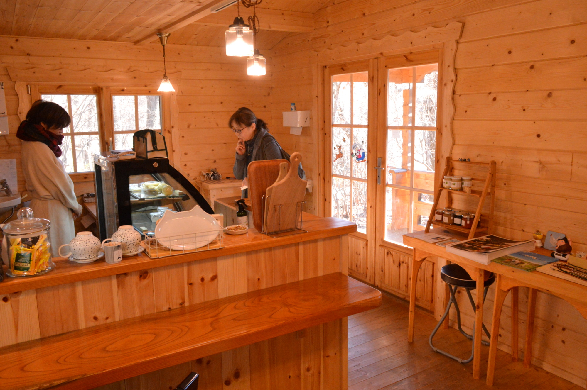 那須高原のあまたにチーズ工房の可愛い店内