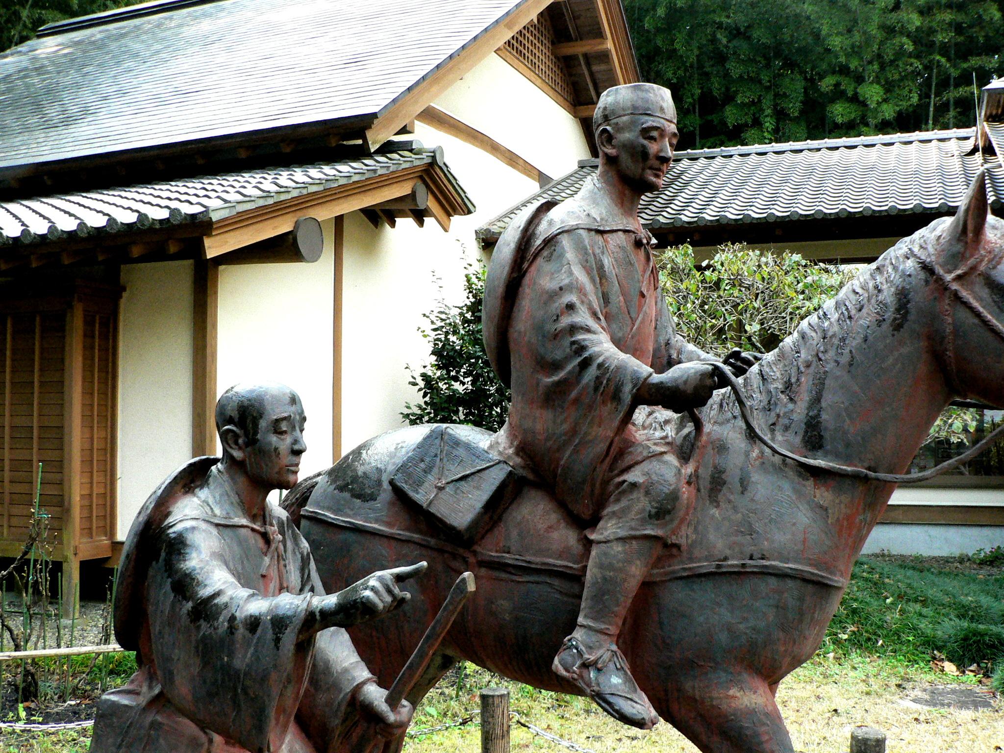 松尾芭蕉と曾良像