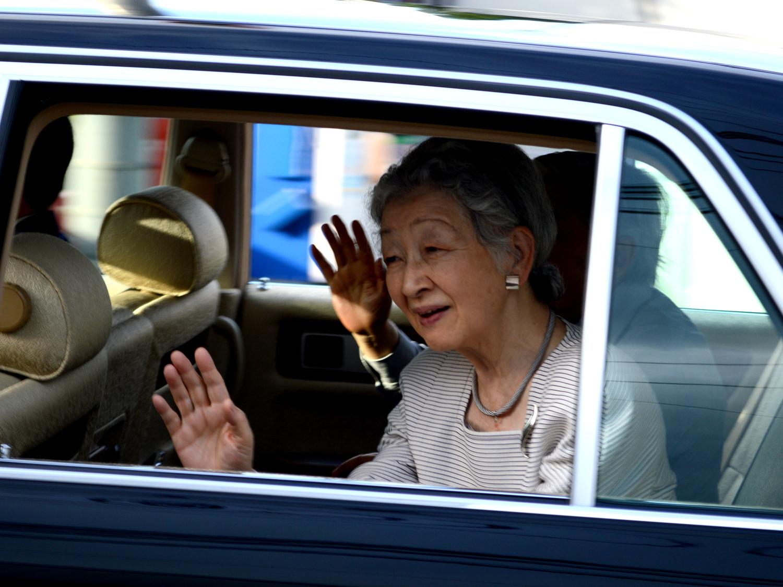 那須御用邸へ美智子皇后陛下をお出迎え