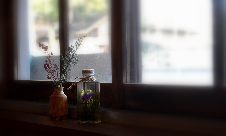 那須町黒田原の自家焙煎ディトンツの窓辺