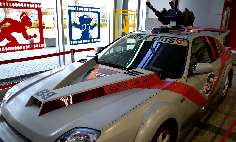 須賀川市の福島空港のウルトラマンカー