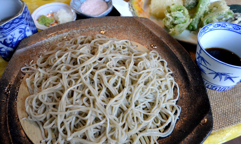 那須高原ハワイアンラナイカフェの復活した味の蕎麦と天ぷら