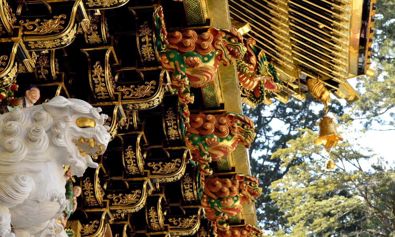 日光東照宮陽明門の花壇の尾垂木は息