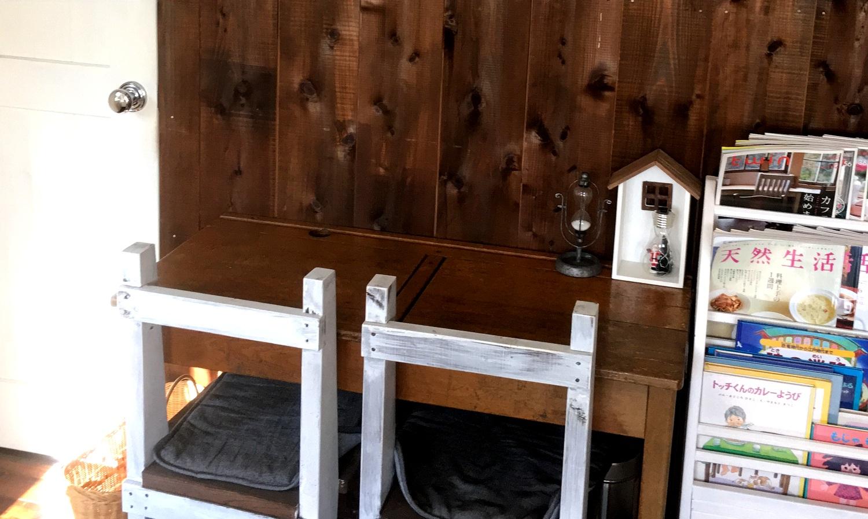 那須高原ノノワカフェの可愛いイステーブル