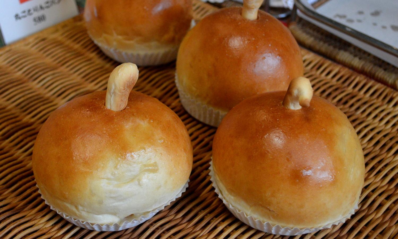 那須パン・トゥ・ルアンの丸ごとリンゴパン