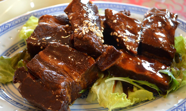那須高原の中華食堂つなしまの角煮定食