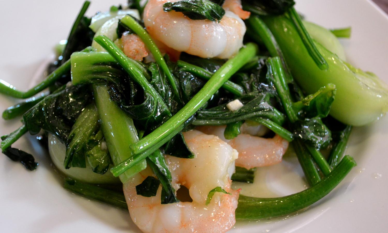 那須の中国茶寮遊山の海老と青菜の炒め物
