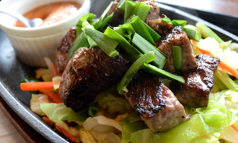 遊山の鉄板牛肉炒め