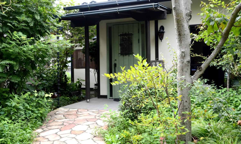 大田原家庭料理なづなの雰囲気あるエントランス