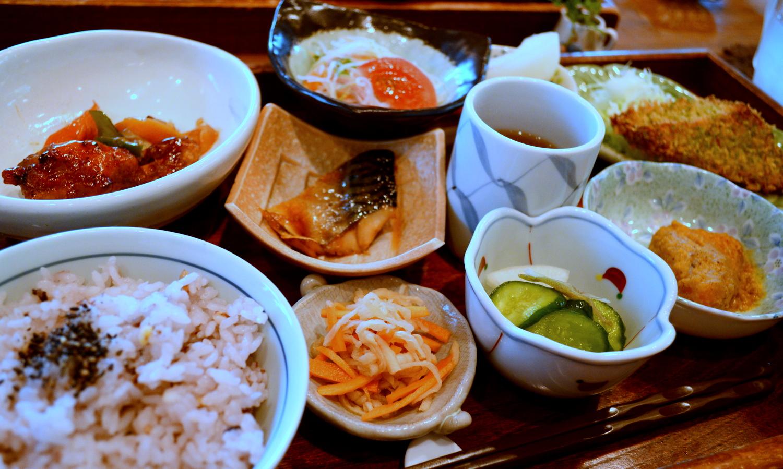 大田原家庭料理のなづなランチプレート