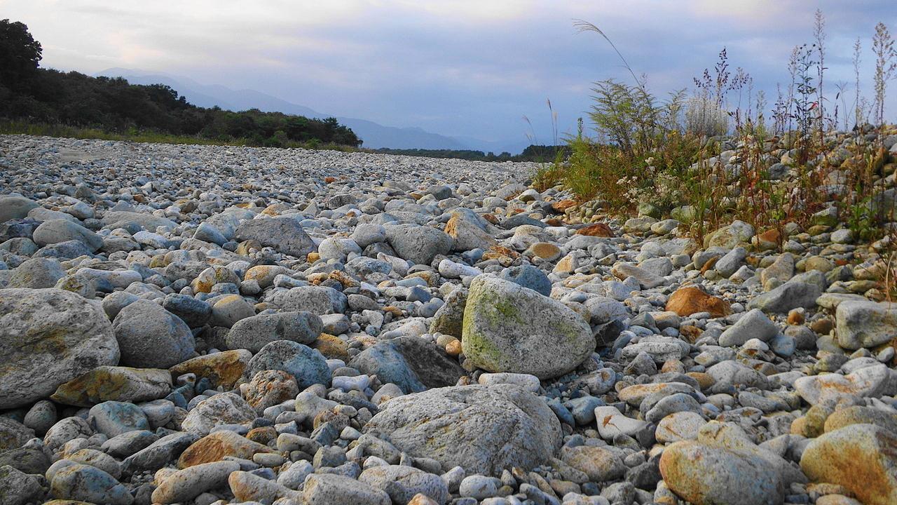 那須野が原を流れる水無川の蛇尾川